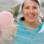 Чем мыть зеркало: уксусом, луковицей и синькой